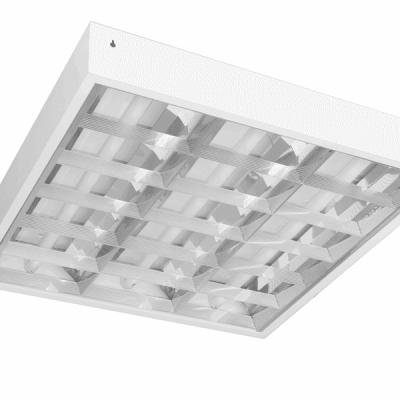 Thân máng được làm bằng thép sơn tĩnh điện (độ dày 0.4mm). Máng đèn lắp nổi trần bê tông hoặc trần thạch cao. Chóa tán quang được làm bằng inox và nhôm sọc. Chân đèn và cầu đấu nối được làm bằng PC chất lượng cao. Dây dẫn chịu nhiệt cao 1050C (tiết diện: 0.5mm) Loại bóng sử dụng: T8 led. Tất cả chóa tán quang và phụ kiện đều rất dễ tháo lắp và bảo trì.
